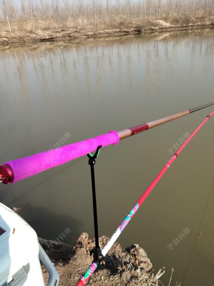 先架了一支7.2的竿子,钓3.5米的水深