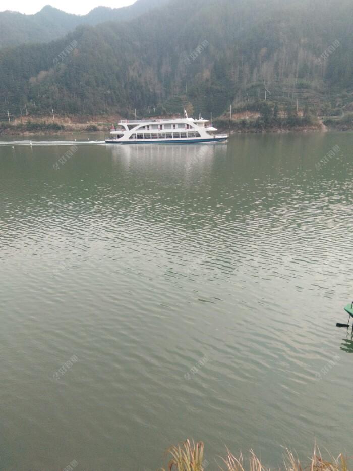 千岛湖开往安徽省歙县深度的旅游船