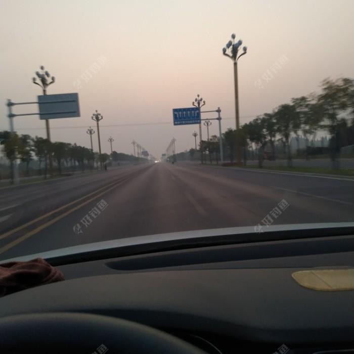华灯已熄,朝阳未上,在这晨曦初露的时候,我出发了。