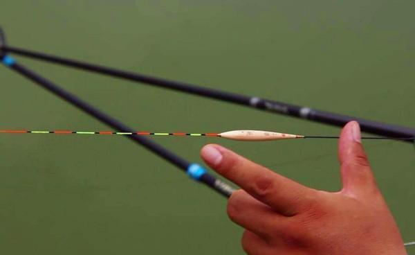 冬钓鲫鱼,浮漂应该这样选,放大信号让漂相更清晰