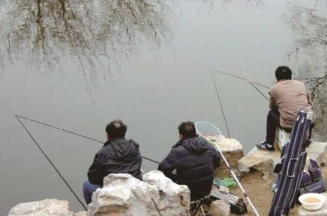 气温下降之后,户外野钓时需要牢记在心的4个钓法套路