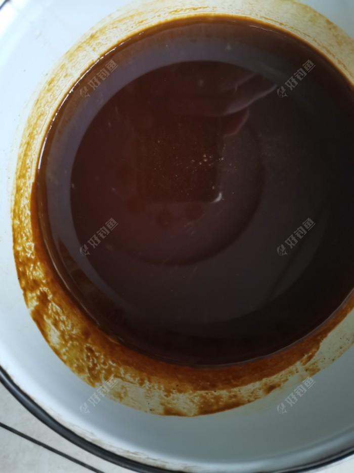 自家蜂蜜,原汁原味土蜂蜜,纯天然无公害且是野花(算是百草花)蜂蜜,一点没参假,真有点舍不得。
