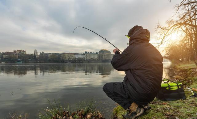 """为什么许多钓鱼人喜欢""""吃独食""""?原来只因这3点"""