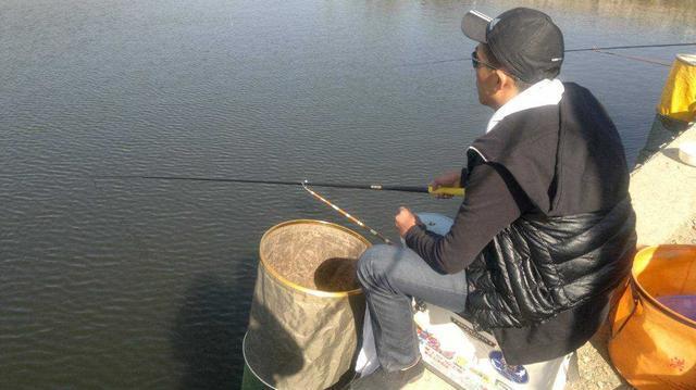 冬天钓鱼注意事项,做好不用担心渔获,钓得也舒服