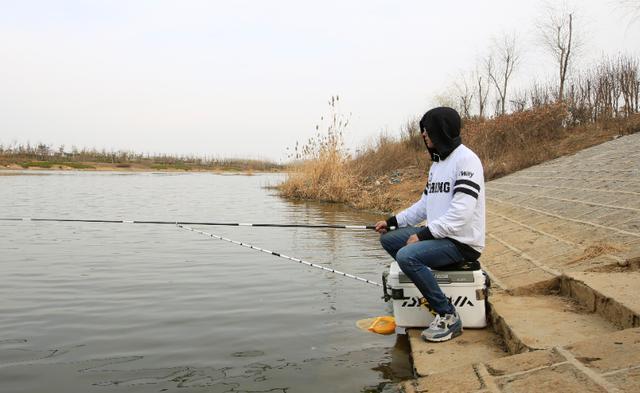 冬钓小水域如何垂钓