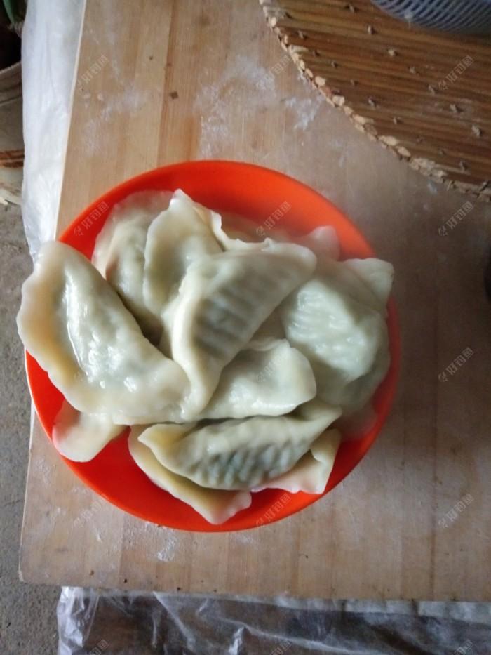 老妈包的饺子