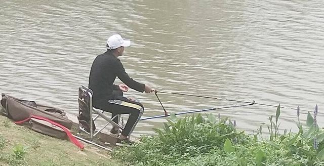 钓鱼这些年闹出来的笑话,看完让人哭笑不得