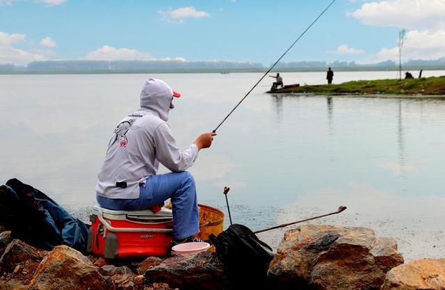 从立春到惊蛰,在野外怎么钓鱼?(图1)