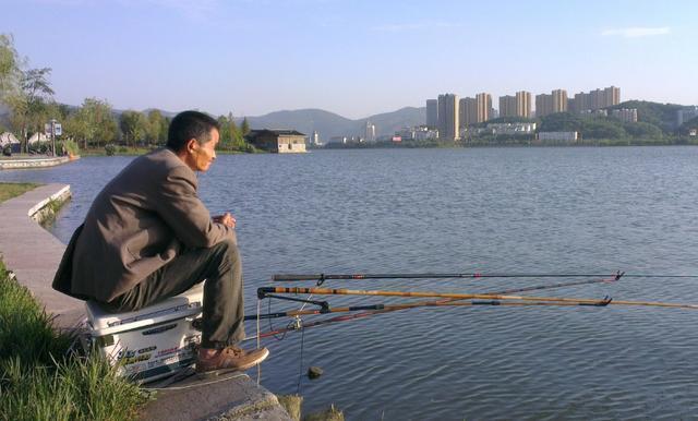 浅谈鱼线的粗细、鱼钩的大小对钓鱼的影响