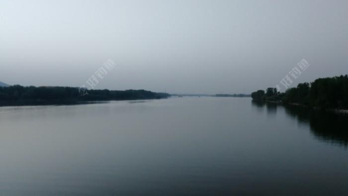 漂亮的河面