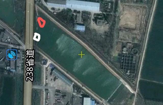 大水面低密度的黑坑如何钓鲤鱼?老钓友给你支2招(图3)