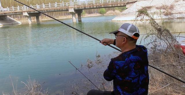 三个月没钓鱼了,他用两天的时间拿了两个坑冠